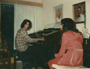 Dad_organ_Kesslers_Home_76